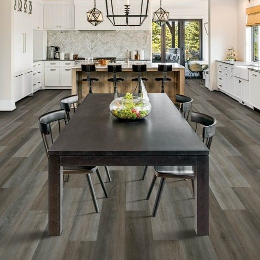 Laminate flooring in dining room | The Floor Fashion Centre