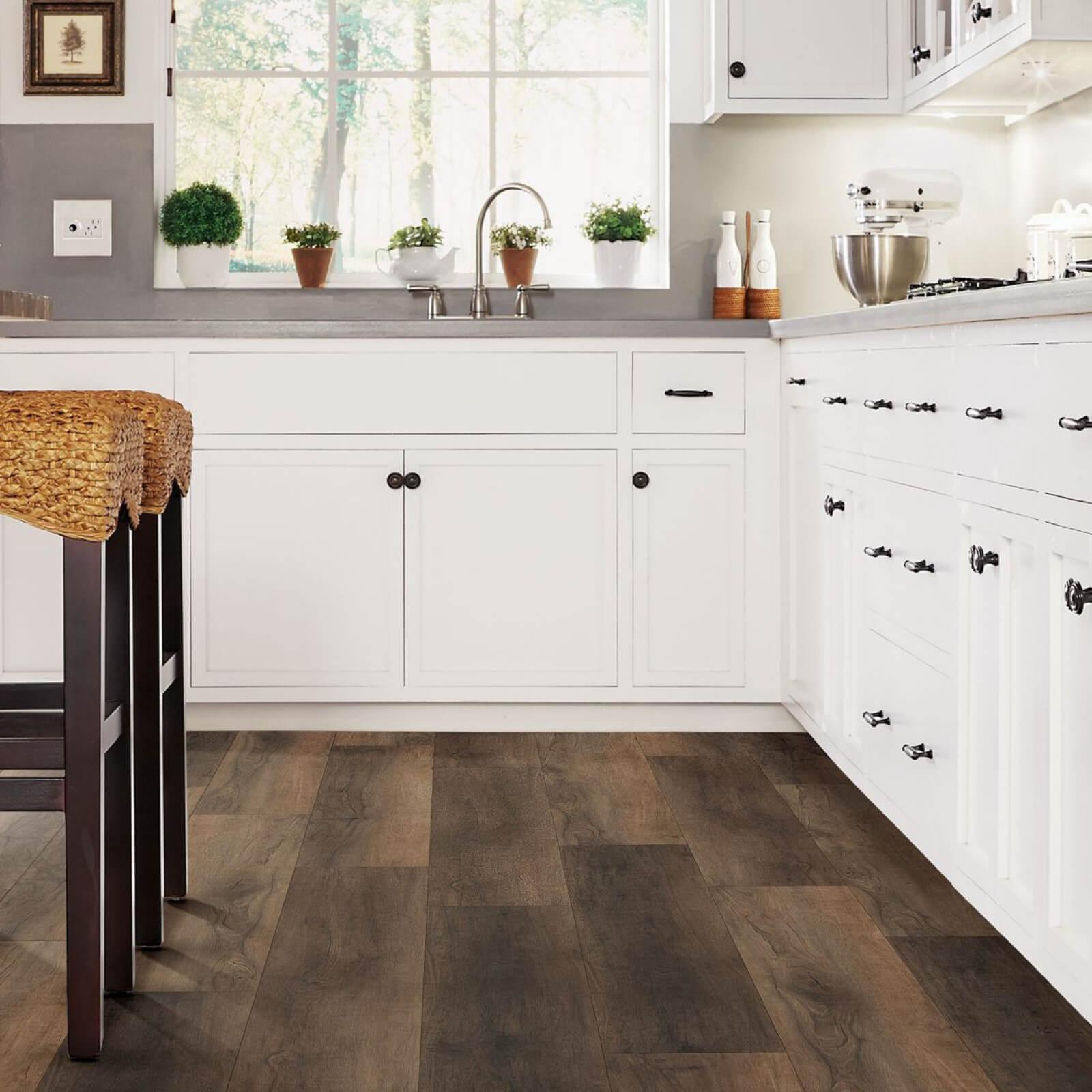 Vinyl flooring in kitchen | The Floor Fashion Centre